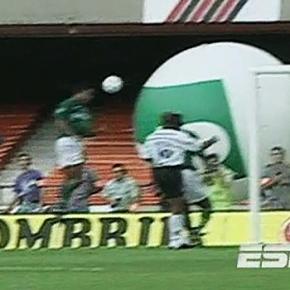 Oséas marca o gol contra mais bonito da história doDérbi
