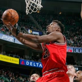 Bulls se recuperam depois de perder as primeiras fora decasa