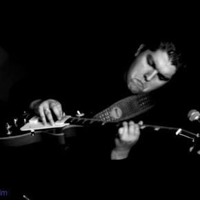 Guitarrista Danilo Simi vive sonho ao tocar com lenda do Blues em novoprojeto